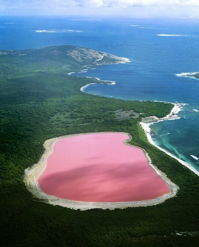 Lake Hillier, aerial view